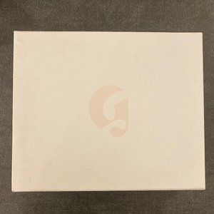 [NEW] Glossier Magnetic Makeup Box